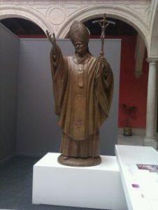 PRESENTACION DE LA ESCULTURA JUAN PABLO II EN LA SEDE CENTRAL DE CAJASOL EN SEVILLA